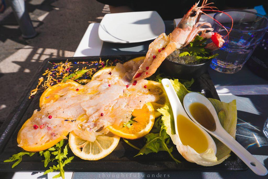 Seafood lined with famous Amalfi lemons